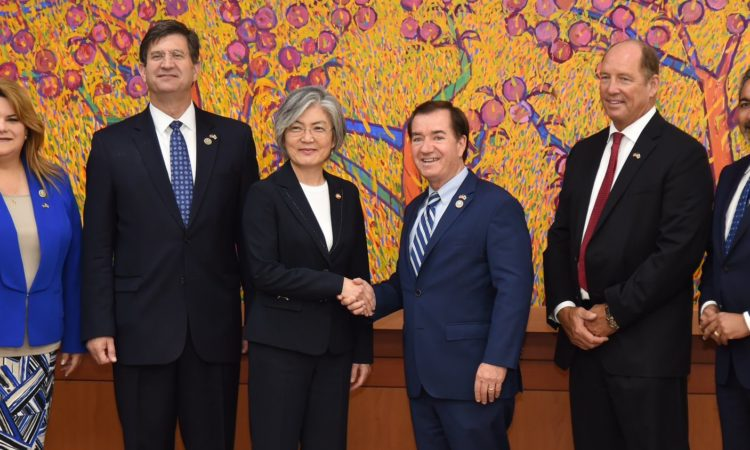 August 28, 2017 - Representative Ed Royce, chairman of the U.S. House Committee on Foreign Affairs met Korean Foreign Minister Kang Kyung-wha.