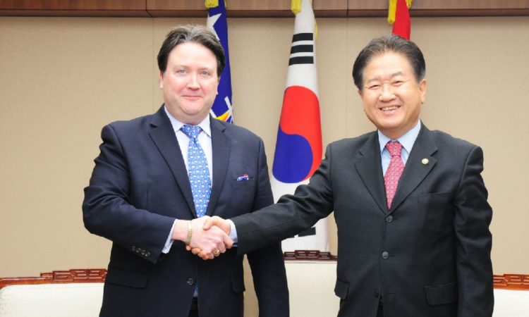 Chargé d'Affaires Marc Knapper Meets South Korean Vice Defense Minister Suh Choo-suk